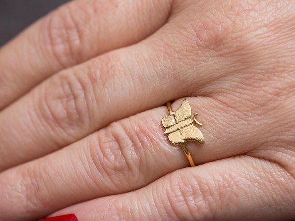 Χειροποίητο Ασημένιο Επίχρυσο Δαχτυλίδι Μικροσκοπική Πεταλούδα