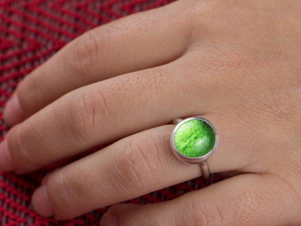Χειροποίητo Ασημένιo Μικρό Δαχτυλίδι με Πράσινη Λαχανί Παστίλια