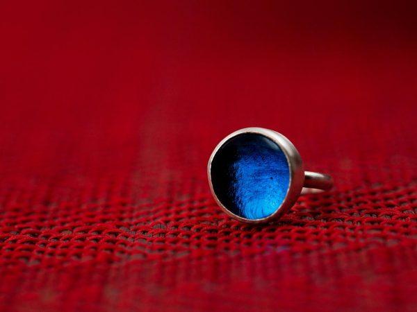 Χειροποίητο Ασημένιο Μικρό Δαχτυλίδι με Μπλε του Ζαφειριού Παστίλια