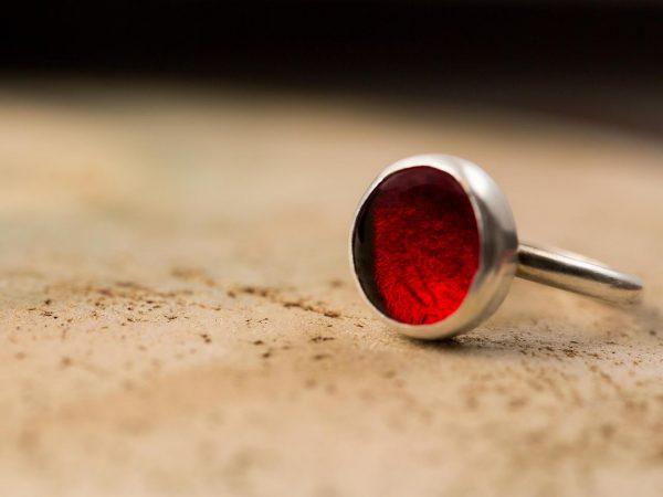 Χειροποίητο Ασημένιο Μικρό Δαχτυλίδι Παστίλια Κόκκινο της Φωτιάς