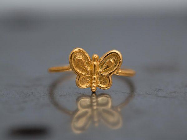 Χειροποίητο Ασημένιο Επίχρυσο Δαχτυλίδι με Μικρή Πεταλούδα
